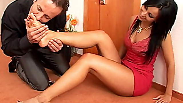Brunette Babe Fucked By a Foot Fetish Dude