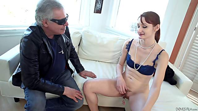 Ball sucking babe Violet Monroe wants to be fucked hard