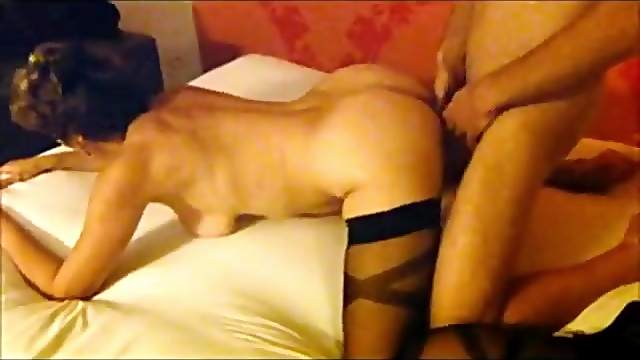 Marieed amateur wife gets ass fucked in a hotel