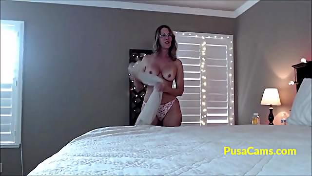 Meet The Hottest milf sexy with that glasses and she knows to talk so fucking dirty and slutty!