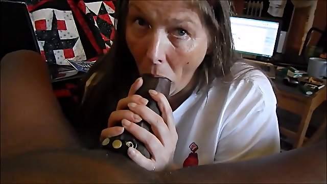 Mature lady sucking bbc very slowly and drink cum