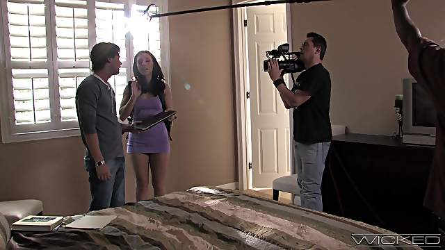 Behind the scenes of porn making with stunning pornstars. HD