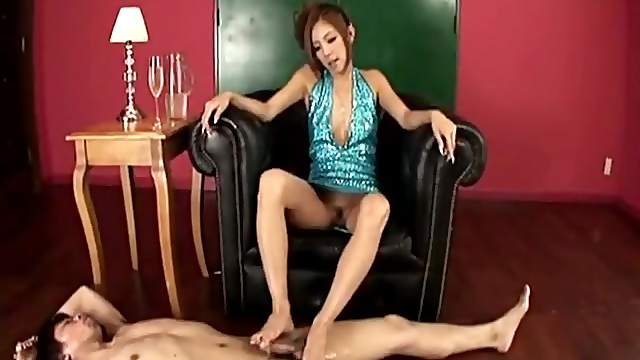 Sexy footjob pleasures for his Asian dick