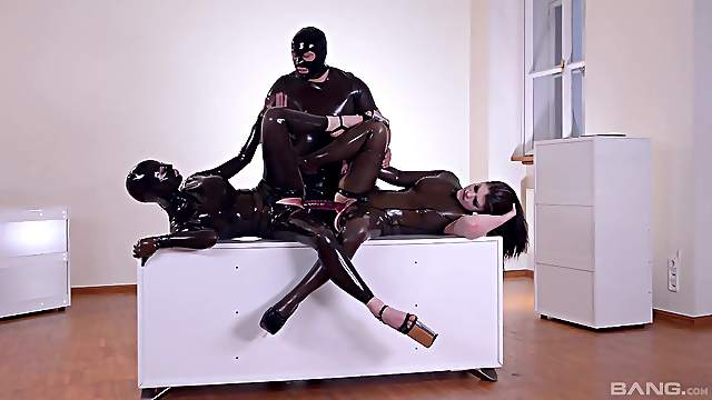 Dirty latex domination in fabulous threesome