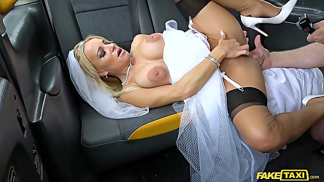 Future bride fucks with the cab driver right on her wedding day