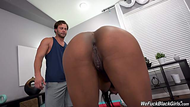 Nude porn for the busty ebony during her fitness lesson