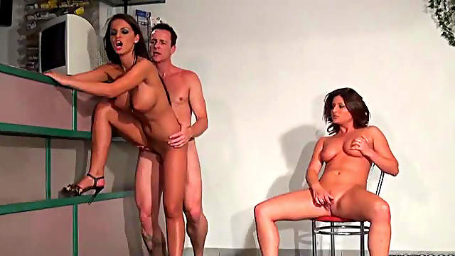 Anal Sex With European Babes In Threesome