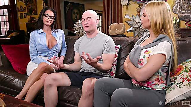Threesome with kinky blondes Sarah Vandella and Silvia Saige