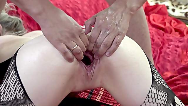 Russian wife has multiple orgasms from fisting.