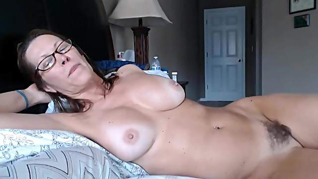 Busty mature play with dildo on webcam