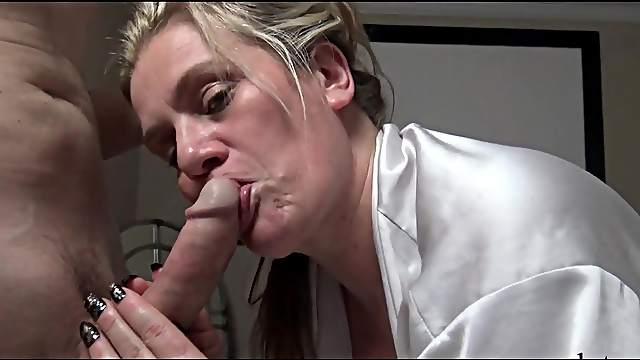 Hot amateur swinger cunt pounded in homemade video