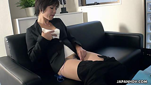 Japanese secretary, Hasumi is masturbating, uncensored