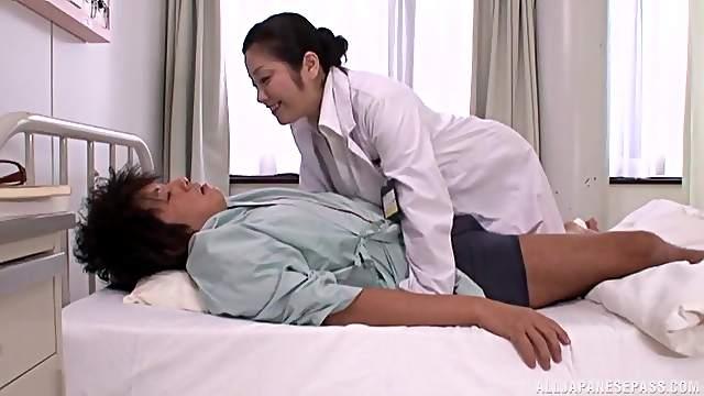 Cum loving Japanese doctor Minako Komukai loves milking patients