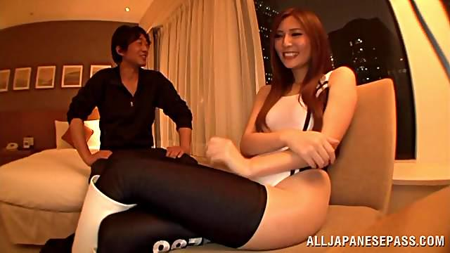 Tall topnotch race queen Yuna Shiina gets intensive pussy stimulation