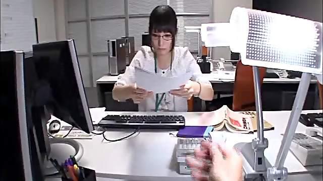 Wild fucking on the office table with secretary Mihono Sakaguchi