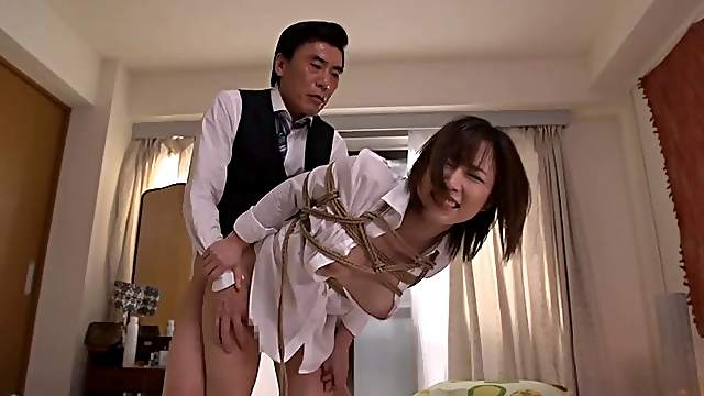 Sexy rope bondage for the pretty Japanese girl