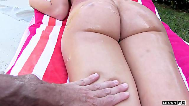 Long hair Gia Page doggystyle smashed in bed while yelling