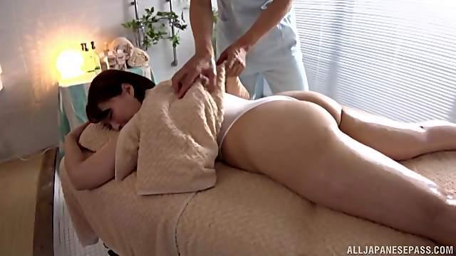 Sensual massage leads to fucking with chubby model Shinozaki Kanna