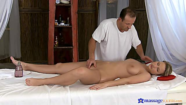 Massage leads to passionate fucking with sexy chick Samantha Jolie