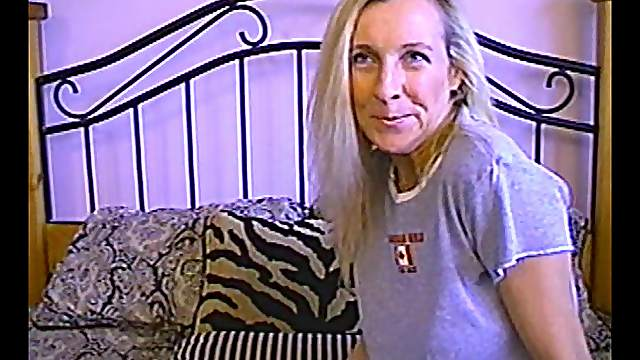 Doting blonde mature amateur with a shaved pussy gets fucked hardcore anal