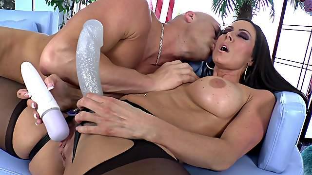 Christian XXX fucks with slutty Kendra Lust