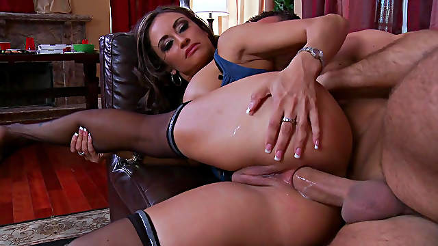 Claudia Valentine fucks in her anal with Keiran Lee