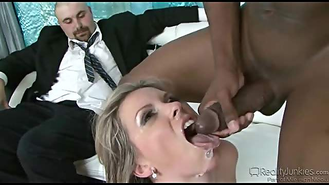 Cumshots at the close of hot cuckold scenes