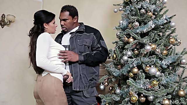 Christmas surprise for the naked wife in rough interracial action